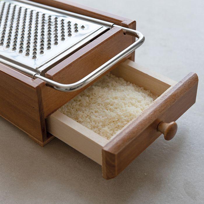 Hartkäsereibe mit Schublade